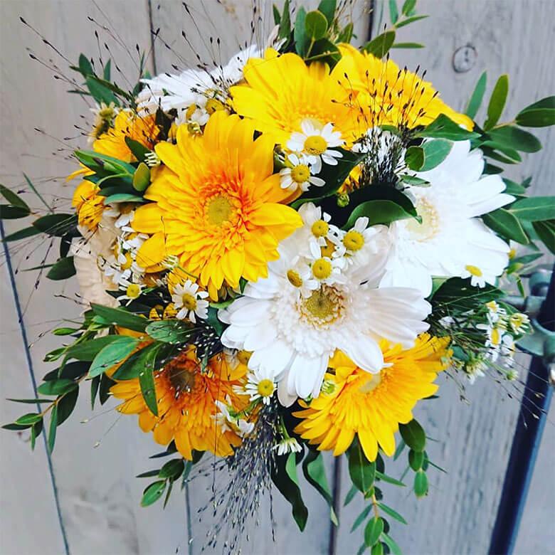 Gartentipps Blumen lange frisch halten Gaertnerei Steger Saalfelden Pinzgau Blumenstrass Brautstrauss Trauergebinde (4)